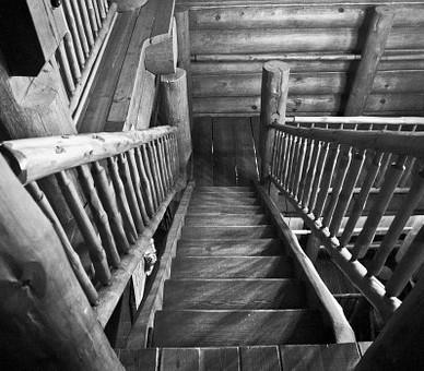 La Menuiserie du Quercy réalise vos rambardes d'escalier en bois à Montauban